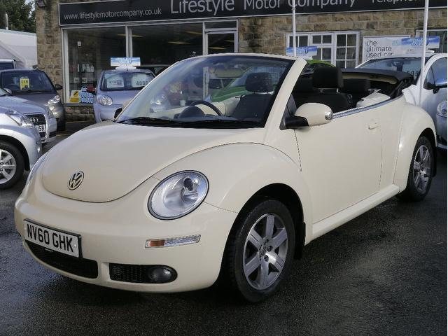 used beige volkswagen beetle 2010 petrol 1 6 sola 2dr convertible in great condition for sale. Black Bedroom Furniture Sets. Home Design Ideas