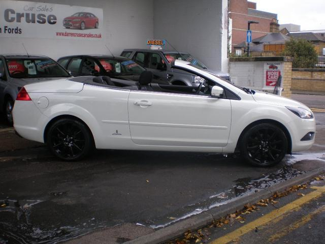 Used Ford Focus 2.0 Cc Farina 2 Convertible White 2010 Petrol for Sale in UK