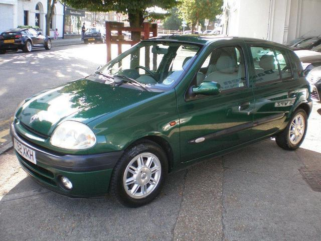 used renault clio 2001 petrol 1 6 16v initiale 5dr hatchback green manual for sale in gravesend. Black Bedroom Furniture Sets. Home Design Ideas