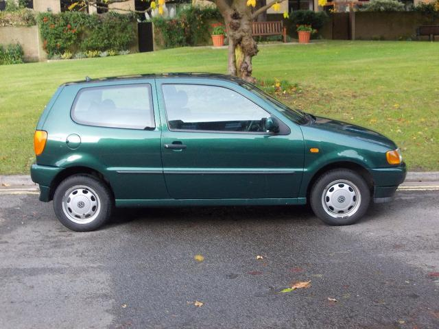 Used Volkswagen Polo 1.4 Cl 3 Door Auto Hatchback Green 2003 Petrol for Sale in UK