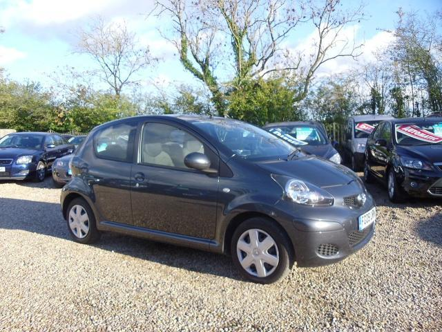 Used Toyota Aygo 2009 Grey Hatchback Petrol Manual for Sale