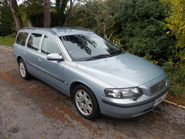 Used Volvo V70 2001 Blue Estate Petrol Manual for Sale