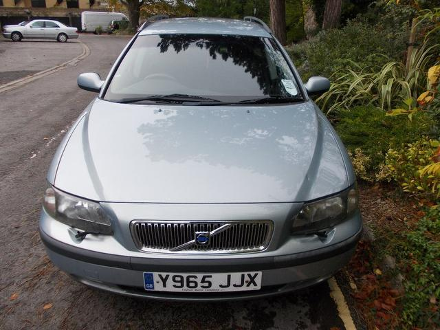 Used Volvo V70 2.4 140 5 Door Full Estate Blue 2001 Petrol for Sale in UK