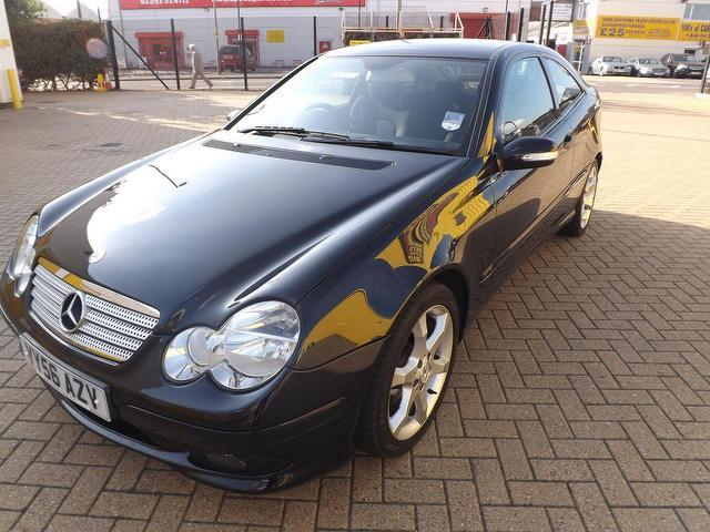 Used mercedes benz 2006 automatic diesel class c220 cdi for Used mercedes benz sale