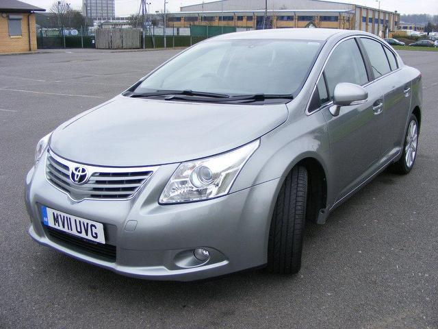 Used Toyota Avensis 2.2 D-4d T Spirit Saloon Grey 2011 Diesel for Sale in UK