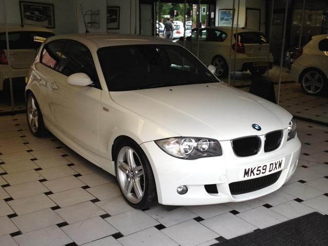 used bmw 1 series 2009 diesel 118d m sport hatchback white manual for sale in stockport uk. Black Bedroom Furniture Sets. Home Design Ideas