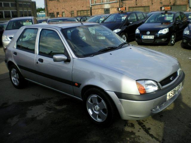 used ford fiesta 2001 petrol 1 1 classic 5dr full service hatchback silver manual for sale in. Black Bedroom Furniture Sets. Home Design Ideas