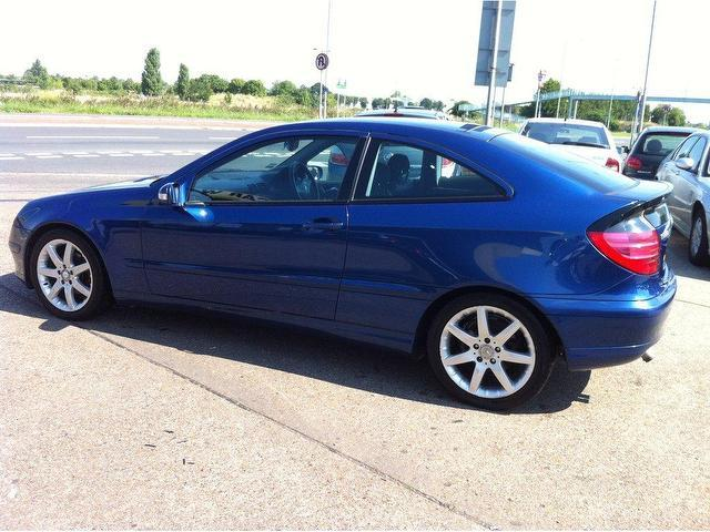 Used mercedes benz 2003 diesel class c220 cdi se coupe for Used mercedes benz coupe