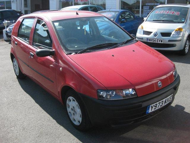 Used_Fiat_Punto_2001_Red_Hatchback_Petro