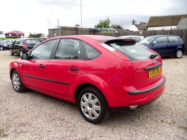 used ford focus 2005 petrol 1 6 lx 5dr 115 hatchback red manual for sale in nuneaton uk. Black Bedroom Furniture Sets. Home Design Ideas