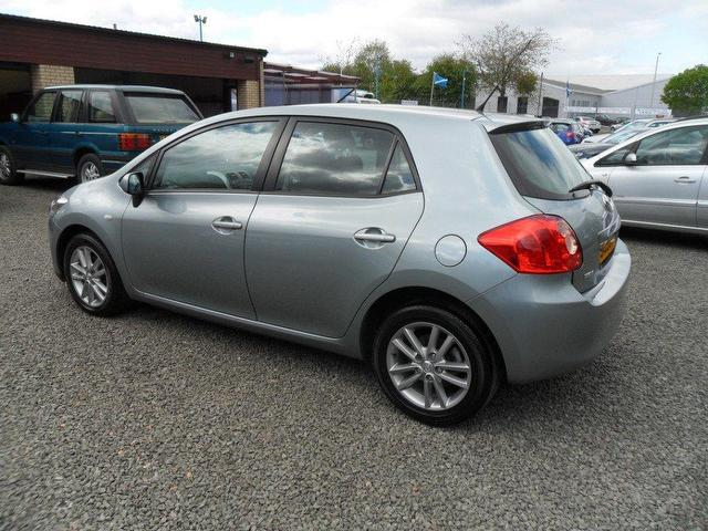 used toyota auris 2009 diesel 1 4 d 4d tr 5dr hatchback silver automatic for sale in inveralmond. Black Bedroom Furniture Sets. Home Design Ideas