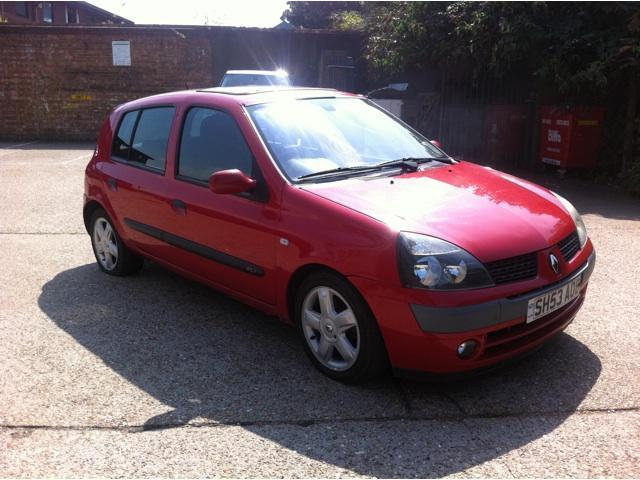 used renault clio 2003 diesel 1 5 dci 65 dynamique hatchback red manual for sale in brentford uk. Black Bedroom Furniture Sets. Home Design Ideas