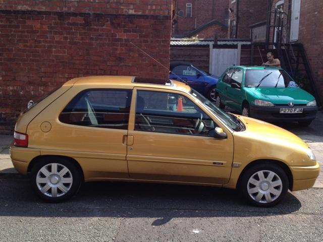 used citroen saxo 2001 diesel desire 3dr hatchback gold manual for sale in stockport uk. Black Bedroom Furniture Sets. Home Design Ideas