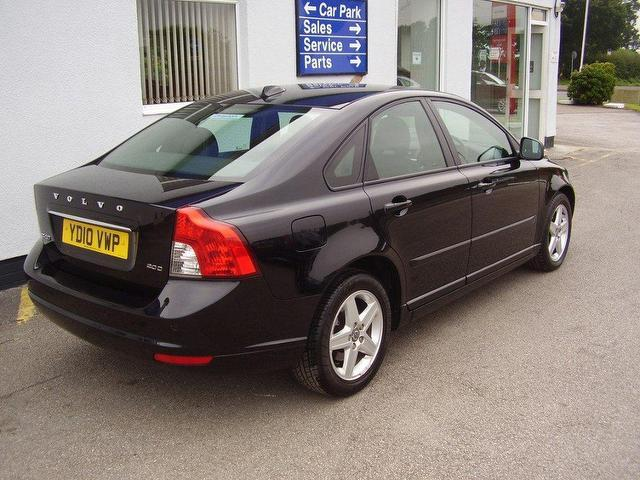 Used Volvo S40 2010 Diesel 2 0d Se Lux 4dr Saloon Black Automatic For Sale In Wirral Uk Autopazar
