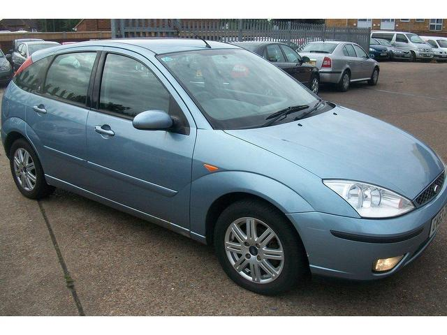 used ford focus 2004 petrol 1 6 ghia 5dr hatchback silver. Black Bedroom Furniture Sets. Home Design Ideas