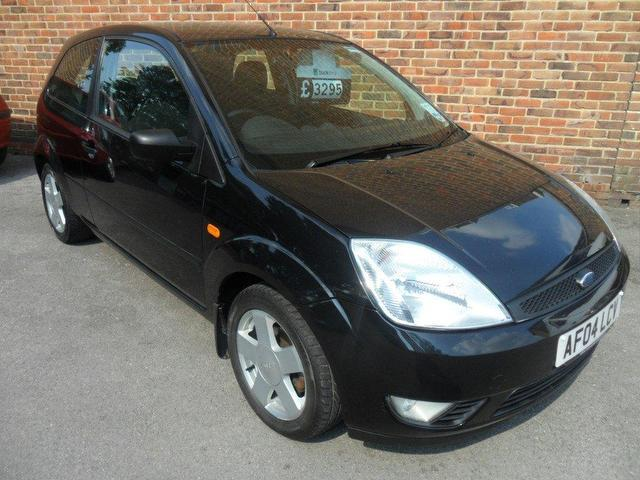 used ford fiesta 2004 petrol 1 6 zetec 3dr xx hatchback black manual for sale in southampton uk. Black Bedroom Furniture Sets. Home Design Ideas