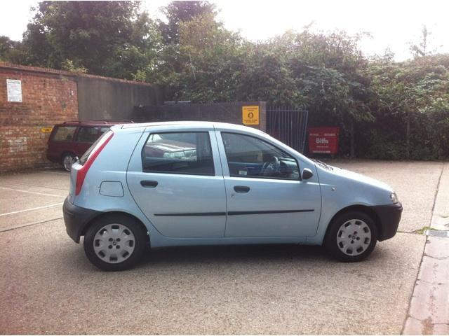 used fiat punto 2002 petrol 1 2 5dr hatchback blue manual for sale in brentford uk autopazar. Black Bedroom Furniture Sets. Home Design Ideas