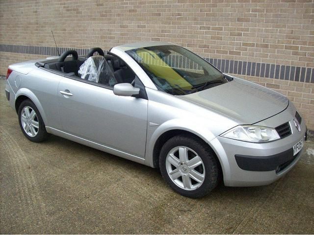 used renault megane 2005 diesel 1 9 dci dynamique convertible silver manual for sale in norwich. Black Bedroom Furniture Sets. Home Design Ideas