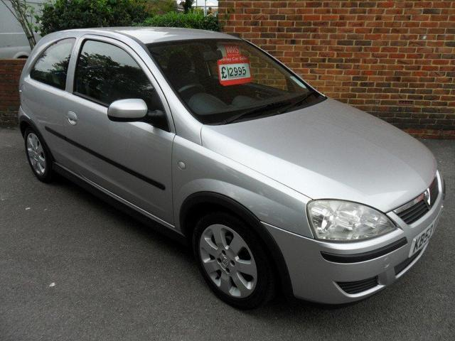 used vauxhall corsa 2004 petrol 16v sxi 3dr hatchback silver manual for sale in southampton. Black Bedroom Furniture Sets. Home Design Ideas