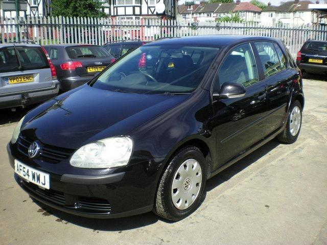 used volkswagen golf 2004 petrol 1 4 s 5dr ac hatchback black manual for sale in wembley uk. Black Bedroom Furniture Sets. Home Design Ideas