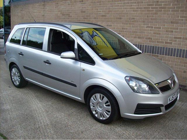 used vauxhall zafira 2007 petrol life 5dr estate silver manual for sale in norwich uk. Black Bedroom Furniture Sets. Home Design Ideas