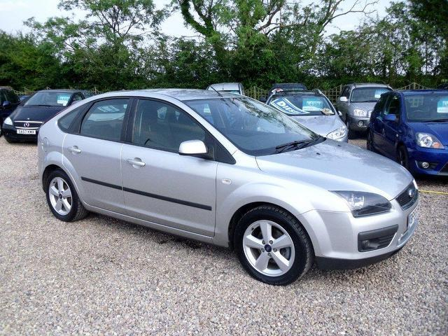used ford focus 2006 petrol 1 6 zetec 5dr climate hatchback silver manual for sale in nuneaton. Black Bedroom Furniture Sets. Home Design Ideas
