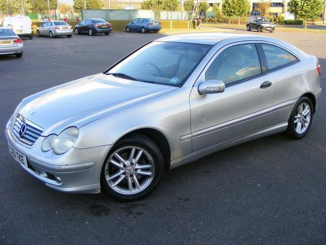 Used mercedes benz 2001 petrol class c200 sport 4dr saloon for Used mercedes benz sale