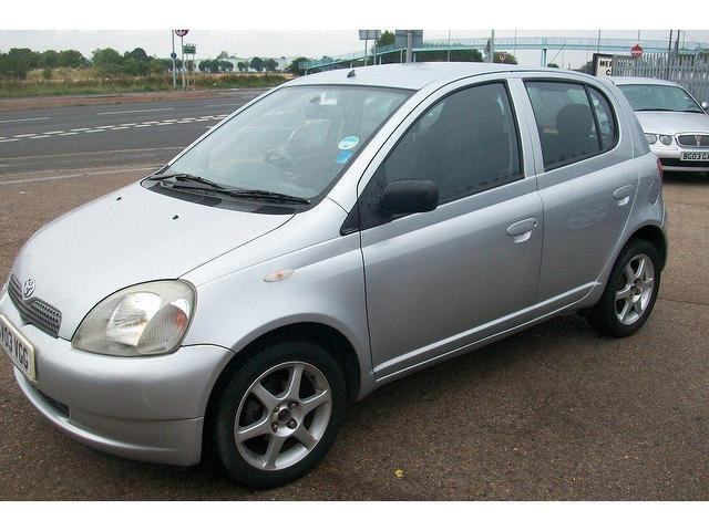 used toyota yaris 2003 petrol 1 0 vvti colour collection hatchback silver manual for sale in. Black Bedroom Furniture Sets. Home Design Ideas