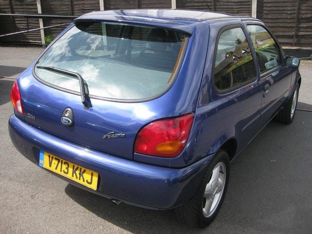 used ford fiesta 2001 blue edition petrol zetec 3 door hatchback for sale in sittingbourne. Black Bedroom Furniture Sets. Home Design Ideas