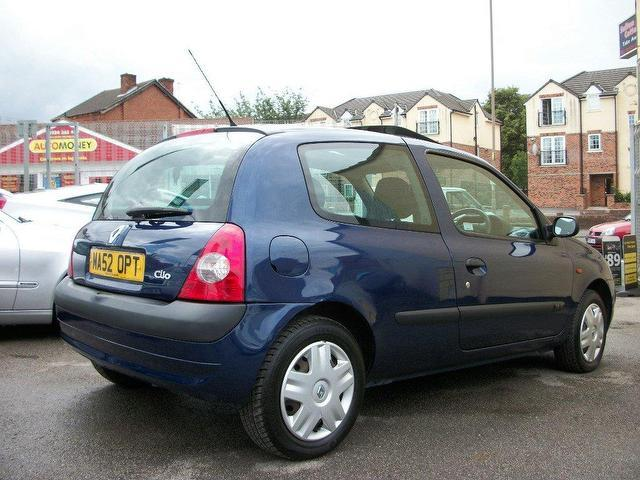 used renault clio 2002 petrol 1 2 16v expression 3dr hatchback blue edition for sale in. Black Bedroom Furniture Sets. Home Design Ideas