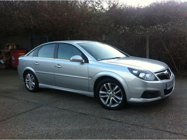 used vauxhall vectra 2009 diesel 1 9 cdti sri 150 hatchback silver manual for sale in