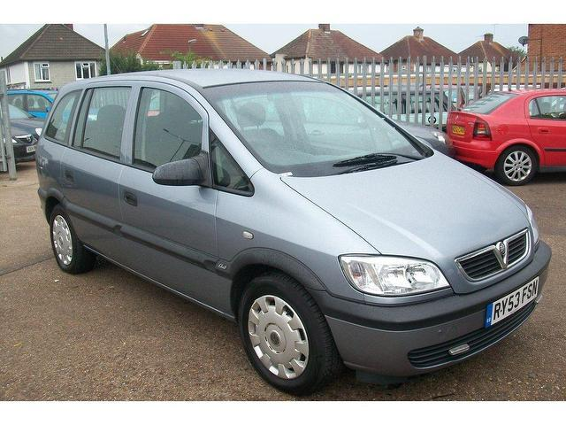 used vauxhall zafira 2004 petrol club 5dr estate silver manual for sale in ashford uk. Black Bedroom Furniture Sets. Home Design Ideas