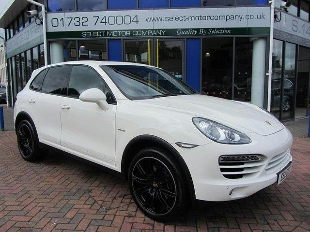 Used Porsche Cayenne Diesel 5 Door Tiptronic S 4x4 White 2011 for Sale in UK