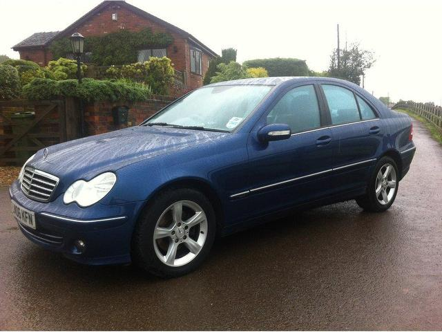 used mercedes benz 2006 diesel class c220 cdi avantgarde saloon blue edition for sale in stoke. Black Bedroom Furniture Sets. Home Design Ideas