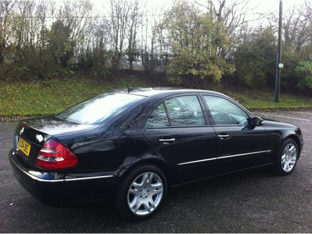 used mercedes benz 2004 automatic diesel class e220 cdi elegance black for sale uk autopazar. Black Bedroom Furniture Sets. Home Design Ideas