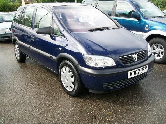used vauxhall zafira car 2002 blue petrol club 5 door estate for sale in keynsham uk. Black Bedroom Furniture Sets. Home Design Ideas