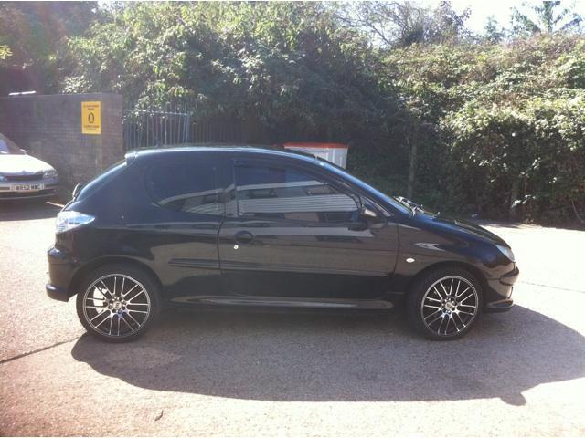 used peugeot 206 2005 diesel 2 0 hdi 90 se hatchback black. Black Bedroom Furniture Sets. Home Design Ideas