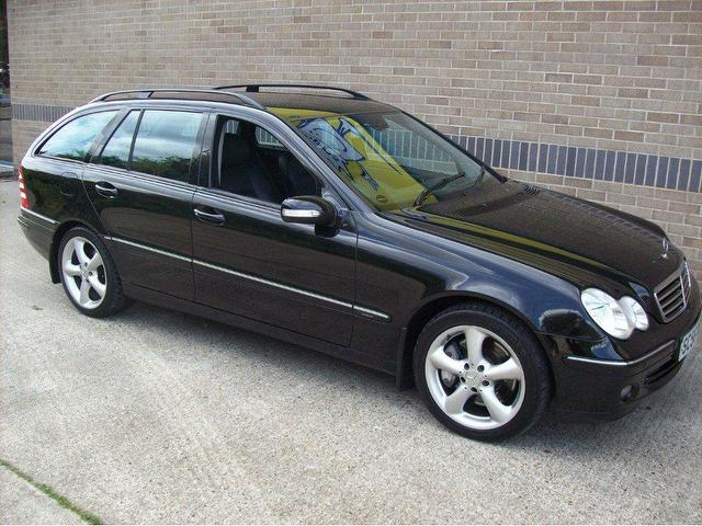 Used mercedes benz 2007 diesel class c220 cdi avantgarde for Used mercedes benz diesel for sale