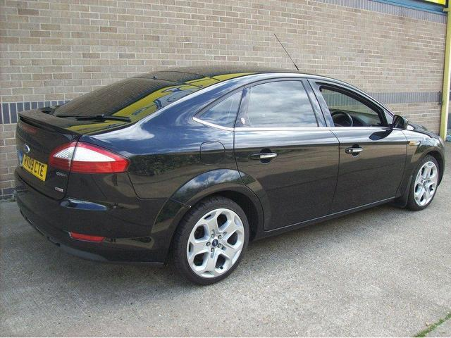 used ford mondeo 2009 diesel 2 0 tdci ghia 140bhp hatchback black with climate control panel for. Black Bedroom Furniture Sets. Home Design Ideas