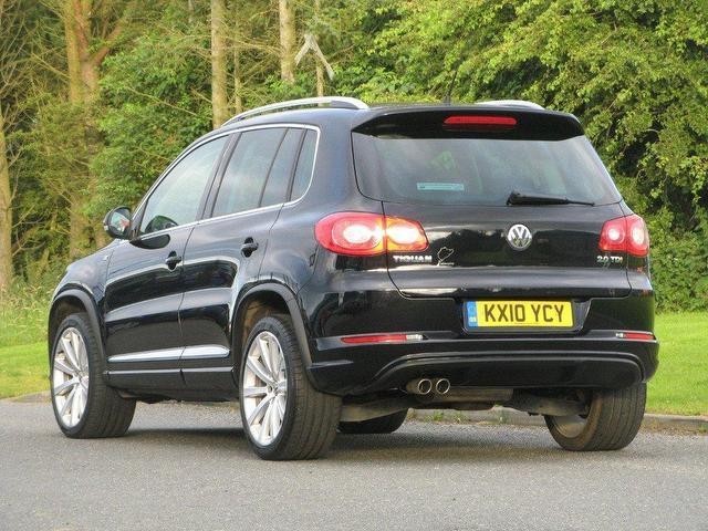 used volkswagen tiguan 2010 black colour diesel 2 0 tdi r line 4x4 for sale in turrif uk autopazar. Black Bedroom Furniture Sets. Home Design Ideas