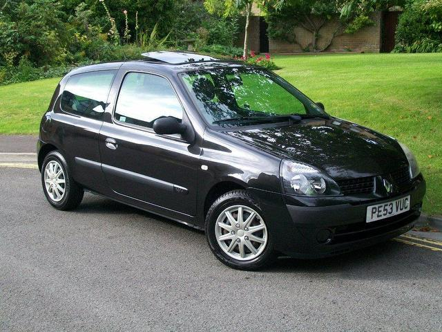 used 2003 renault clio hatchback 1 2 16v expression 3dr petrol for sale in keynsham uk autopazar. Black Bedroom Furniture Sets. Home Design Ideas