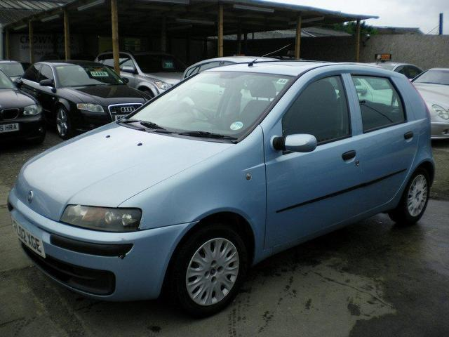 used fiat punto 2002 blue edition diesel 1 9 jtd dynamic 5 door hatchback for sale in wembley uk. Black Bedroom Furniture Sets. Home Design Ideas