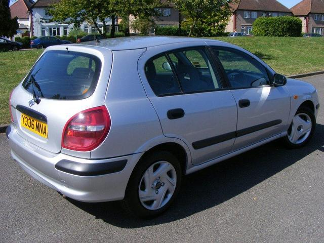 used nissan almera 2001 petrol 1 8 e 5dr auto hatchback silver edition for sale in wembley uk. Black Bedroom Furniture Sets. Home Design Ideas
