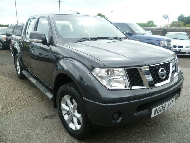 Used nissan navara 2004 diesel double cab pick up 4x4 silver edition