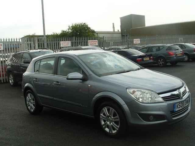 used vauxhall astra 2008 diesel 1 9 cdti elite 120 hatchback silver with air conditioning for. Black Bedroom Furniture Sets. Home Design Ideas