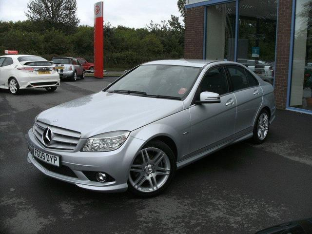 Used mercedes benz 2009 petrol class c180k blueefficiency for Used mercedes benz sale
