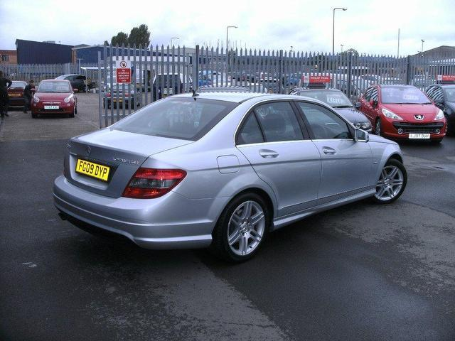 Used mercedes benz 2009 petrol class c180k blueefficiency for Used mercedes benz a class for sale