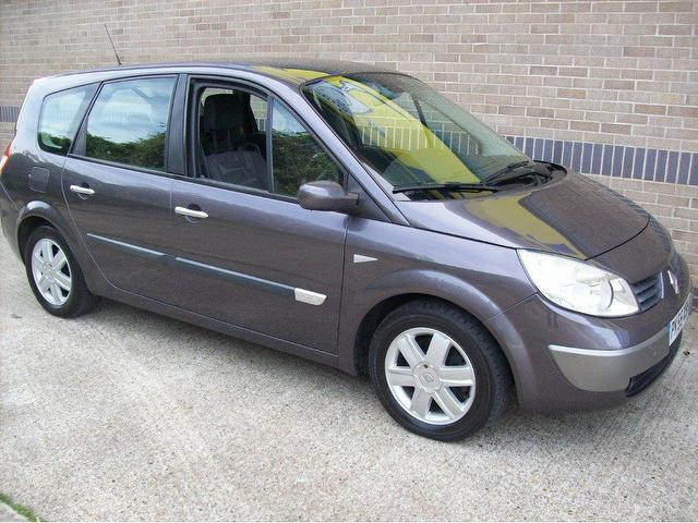used renault grand 2005 petrol scenic 1 6 vvt dynamique estate silver with air conditioning for. Black Bedroom Furniture Sets. Home Design Ideas