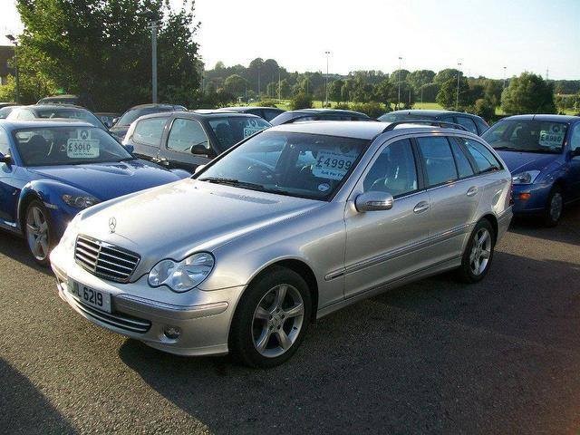 Used silver mercedes benz 2004 diesel class c220 cdi for Used mercedes benz diesel for sale