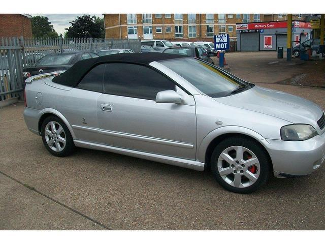 Used Vauxhall Astra 2001 Model 18 16v 2dr Petrol Convertible Silver